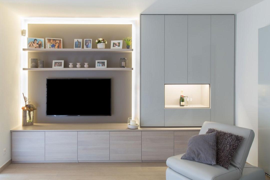 TV meubel in living met ingewerkte verlichting