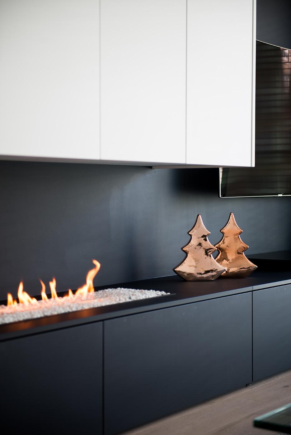 Sfeerbeeld kerst TV wand met ingebouwde gashaard 3