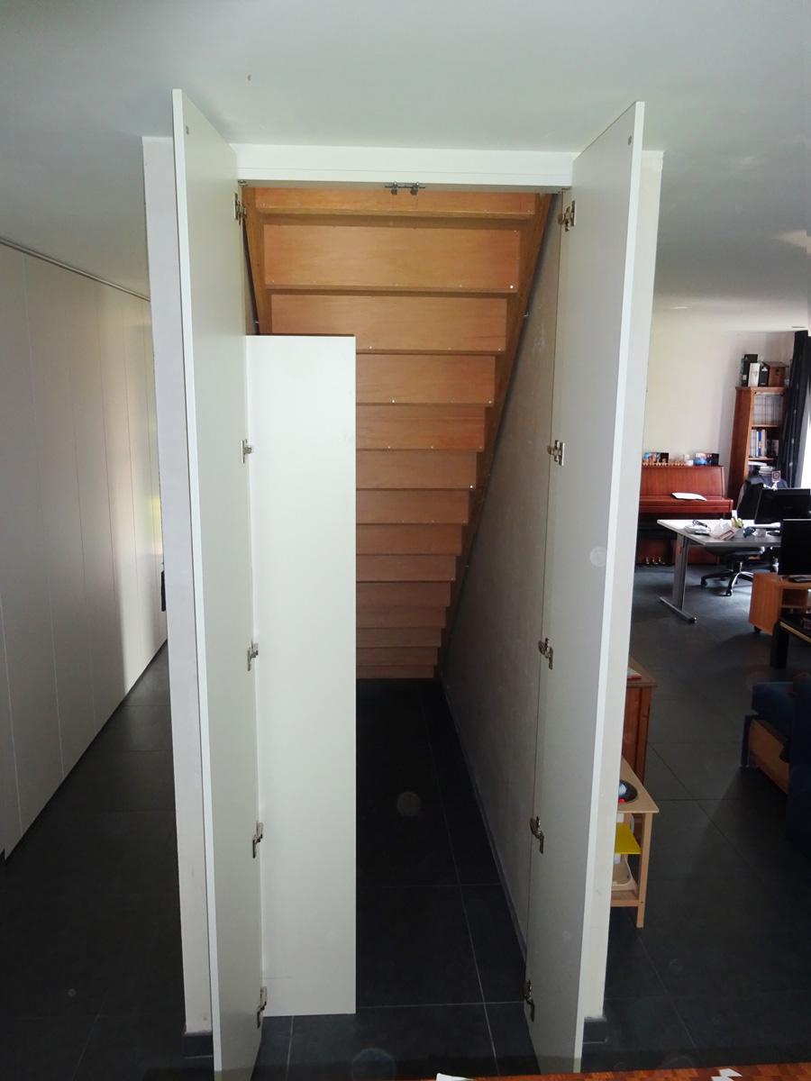 Maatkast aan achterzijde van trap2