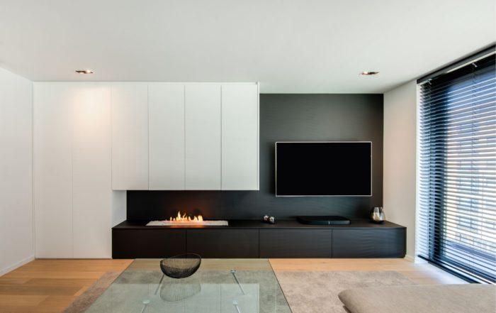 Tv-meubel met haard en wandkast