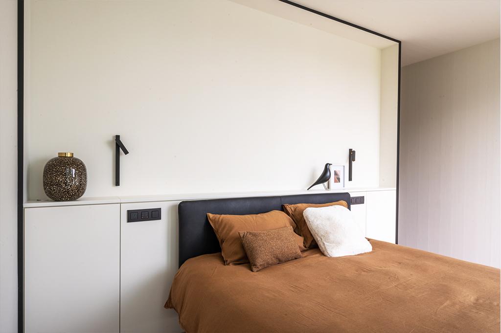 Maatkasten in master bedroom