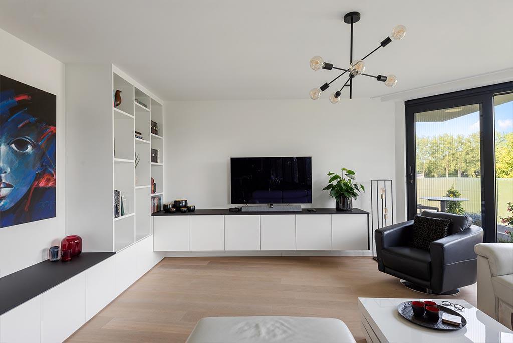 Tv-meubel op maat met boekenkast